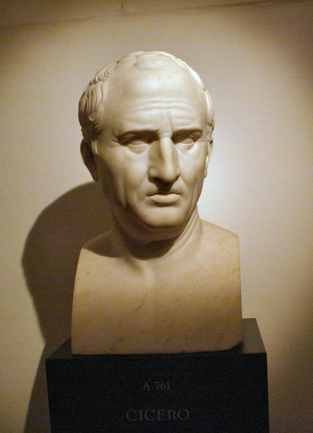 <em>Cicéron</em>, par Bertel Thorvaldsen, copie d'un buste antique, marbre, 1799-1800, Thorvaldsens Museum, Copenhague. Photographie de Gunnar Bach Pedersen.